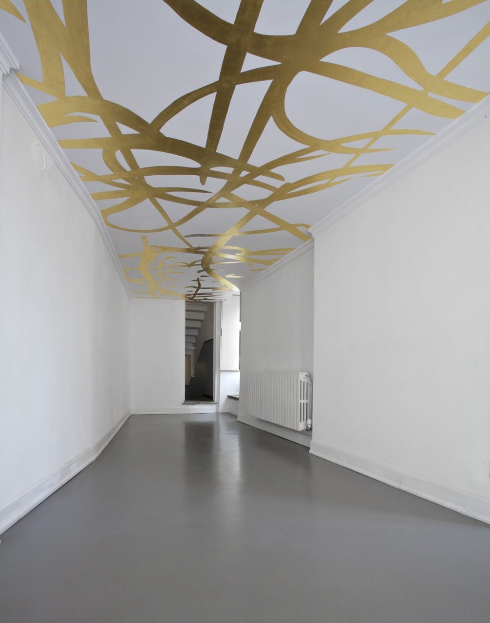 2009, gold leaf wall painting, site specific dimensions. Installation view, Solo show, Galleria Franco Noero, Torino, 2009
